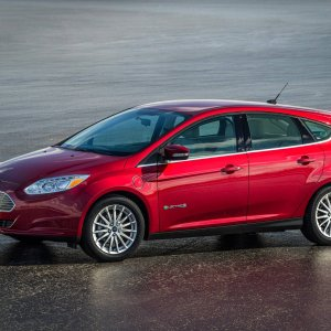 15FordFocusElectric_05_HR.jpg