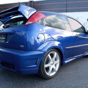 Saleen-Ford_Focus_S121_N2O_2005_1600x1200_wallpaper_2b.jpg