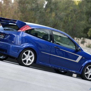 Saleen-Ford_Focus_S121_N2O_2005_1600x1200_wallpaper_22.jpg
